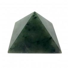 Пирамидка из нефрита 5х5см