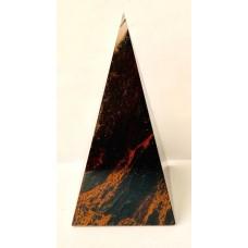 Пірамідка з обсидіану