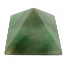 Пирамидка из жадеита 3х3см