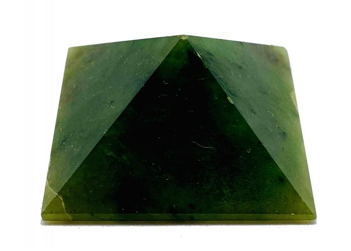Пирамидка из нефрита 2х2см