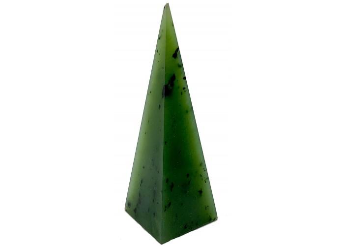 Пирамидка из нефрита высокая