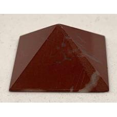 Пірамідка з червоної яшми 2х2см
