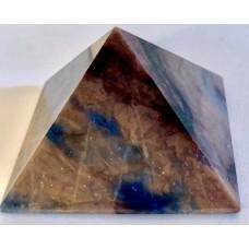 Пірамідка з содаліту розмір 5х5см