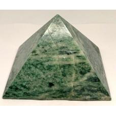 Піраміда з ліственіту 9.5х9.5см