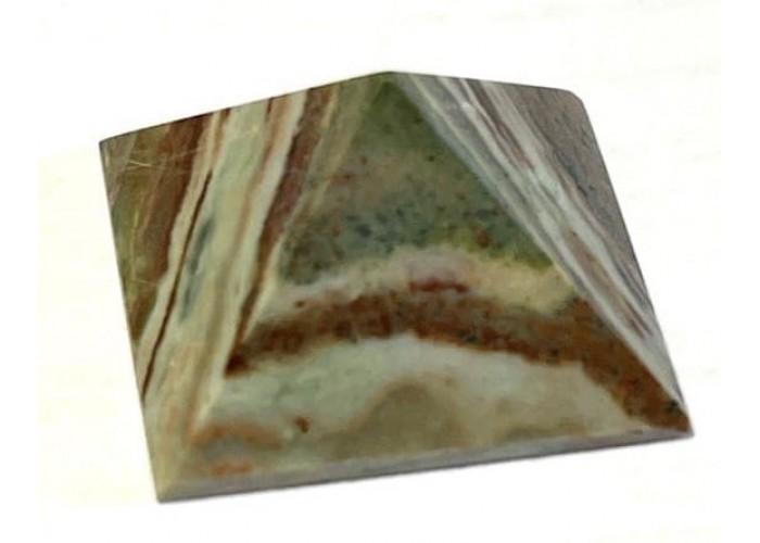 Пирамидка из яшмы гелиотропа 2х2 см