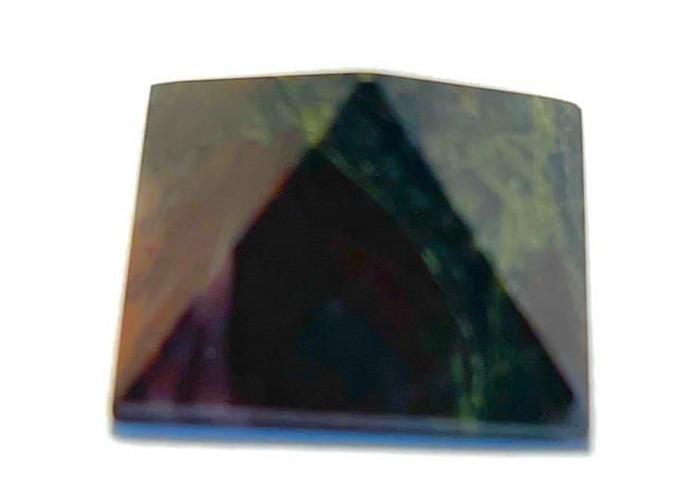 Пірамідка з джеспіліту 2х2 см