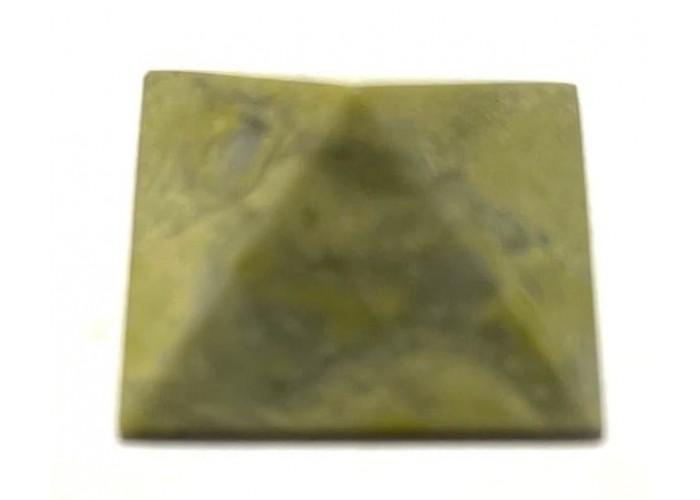 Пірамідка з офікальциту 2х2 см