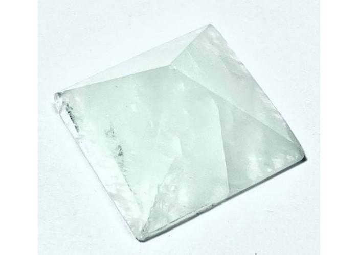 Пирамидка из аквамарина 2х2 см